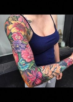 half sleeve tattoo designs and meanings Mutterschaft Tattoos, Irezumi Tattoos, Colorful Sleeve Tattoos, Colorful Flower Tattoo, Bright Flower Tattoos, Feminine Tattoo Sleeves, Feminine Tattoos, Arm Sleeve Tattoos, Japanese Sleeve Tattoos