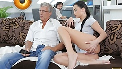 DADDY4K. Guy with headphones doesn't hear his babe getting fucked