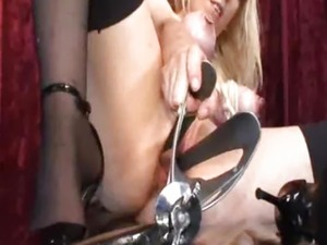 Bizarre vaginal gaping with XXL horse speculum