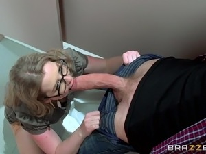 busty bitch masturbates in toilet